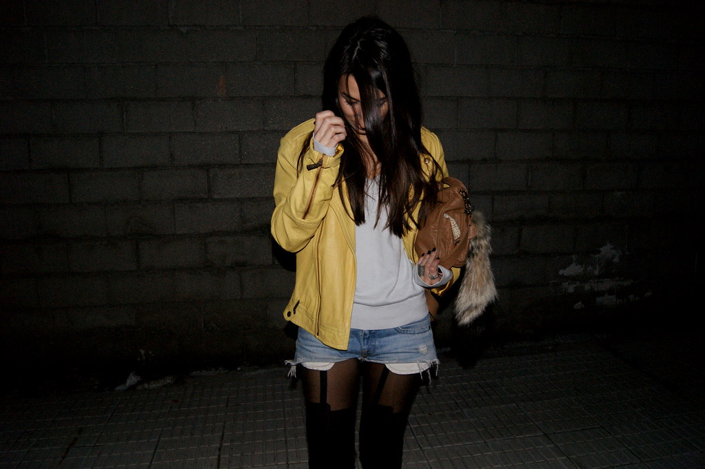yellow leather 02