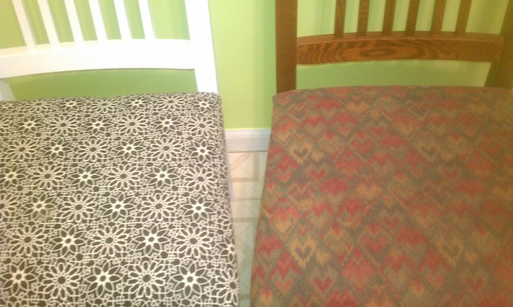 breakfast nook chairs - after/before - close up
