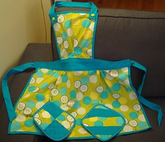 Nana apron and potholders