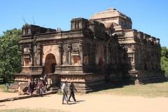 - Polonnaruwa, Thuprma - (dcem) Tags: srilanka polonnaruwa serendib 400d canonefs1855mm3556