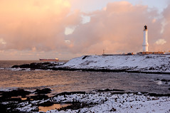 Girdle Ness in the November snow, Aberdeen, Scotland (iancowe) Tags: winter sunset lighthouse snow storm cold ice bay scotland harbour scottish stevenson aberdeen torry ness wintery nigg girdle northernlighthouseboard girdleness nlb robertstevenson