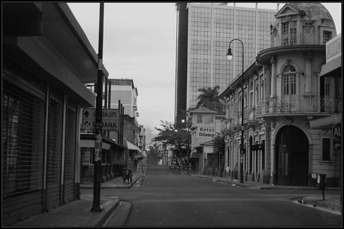 La Ciudad, sola
