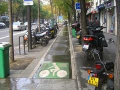 Велодорожка на бульваре Маджента