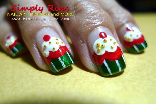Christmas Nail Art Cupcakes 05