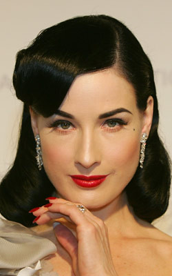 dita-von-teese-red-lip
