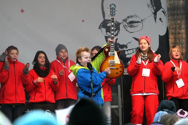 MPGjr-vinneren Torstein underholdt til ære for Liu Xiaobo på Redd Barnas Fredsprisfest 2010.
