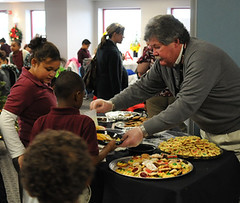 "Dan Rieck Serves Cookies at ""Coats for Kids"" (samfeinstein) Tags: dan nikon published 1755 d300 rieck coatsforkids njmp greenflagcommittee njmptncc danrieck"