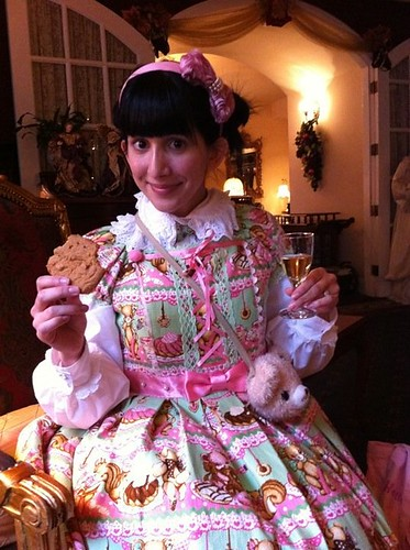 Free Sherry and Cookies? Don't Mind If I Do!