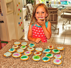 Holiday Happiness (Jeff Clow) Tags: family girl cookies children baking holidays fiveyearold gapr heritage2011