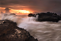 I miss the sun light (Dyahniar Labenski) Tags: sunset seascape nikon publicbeach d90 cemagi 1024mm mengening filtergnd09 seefrommyeyes