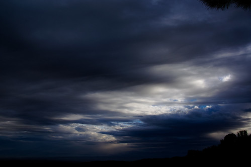 [Free Image] Nature/Landscape, Sky, Cloud, Dark Clouds, 201012261300