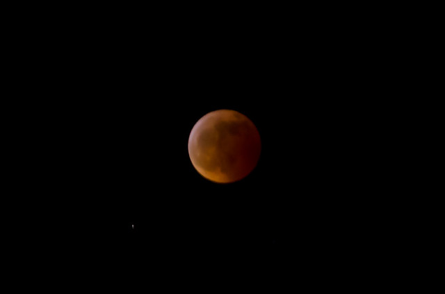 Total Lunar Eclipse, handheld photos taken from 36000ft above siberia