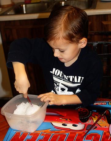 Nathan-making-snowball