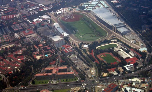 "Back from New York 291 (Hipódromo de las Américas) • <a style=""font-size:0.8em;"" href=""http://www.flickr.com/photos/30735181@N00/5303857239/"" target=""_blank"">View on Flickr</a>"