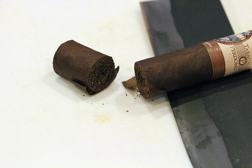 how to put out a cigar for later