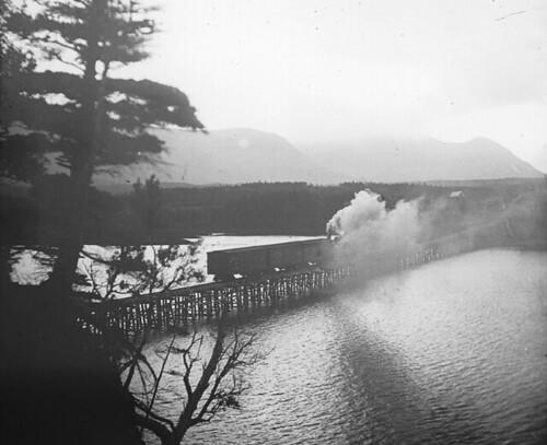 Pont, siège de batailles sanglantes : le pont d'Arcole (Quinet)