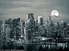 Vancouver Moonrise (Lloyd K. Barnes Photography) Tags: city winter bw moon mountains monochrome night vancouver reflections blackwhite nightscape full supershot abigfave shockofthenew
