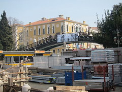 venice bridge by bus