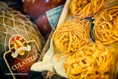 Bologne 2010 (fred SHOOT ME AGAIN) Tags: voyage vacances italia pasta promenade bologna italie lagrasse jambon charcuterie bologne lasage culatello villeuniversitaire