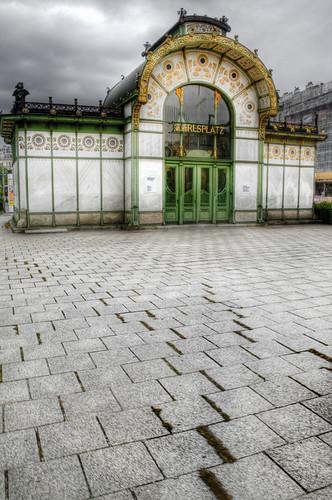 Karlsplatz station. Vienna. Estación de Karlsplatz. Viena