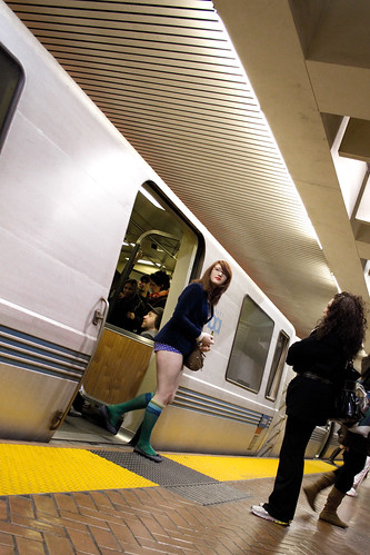 No Pants Subway Ride, SF 2011: arrival 00