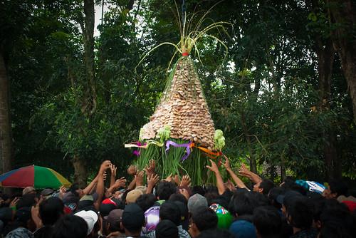 ageng wonolelo ngemplak mbesi widodomartani sleman kirab budaya adat tradisi sapar safar kaliurang apem desa wisata