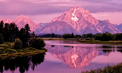 Color on Mount Moran (Jeff Clow) Tags: morning mountains color landscape dawn snakeriver mountmoran tetons grandtetonnationalpark oxbowbend