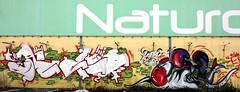 HIT_N_RUN (BREakONE) Tags: plane de effects graffiti break grafiti character aeroplane graffity pack colored characters rooster graff galo barcelos elfo pake galos breakone elfone