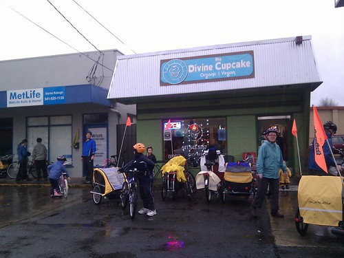 Kidical Mass Cupcakes & Rain Ride (Jan 2011) - 3