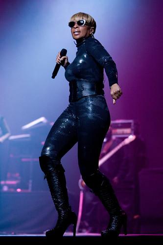 Mary J. Blige rocking  Seoul South Korea