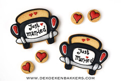 Just married! (De Koekenbakkers) Tags: wedding love cookies car cookie hart justmarried huwelijk koekjes getrouwd koekje koekenbakker koekenbakkers dekoekenbakkers
