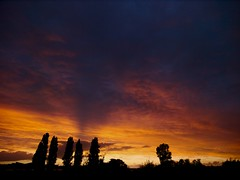 Sunset in the west (Skylark92) Tags: nederland netherlands holland amsterdam zeeburgereiland oost sunset zonsondergang clouds sky
