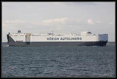 Hoegh Seoul (leightonian) Tags: uk island boat ship unitedkingdom isleofwight solent gb isle cowes roro wight iow vehiclecarrier