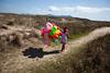 Balloons_44 (a roving eye) Tags: brazil color colour brasil balloons paulmansfield rovingeye arovingeye paulmansfieldphotography familygetty2010 gettyvacation2010 wwwpaulmansfieldphotographycom rovingeyephotography