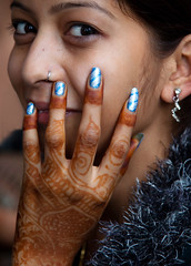 0160 Beautifully painted hand and fingers--India (ngchongkin) Tags: india niceshot harmony soe nationalgeographic musictomyeyes favoritephotos thegalaxy beautifulshot superphotographer perfectcomposition theworldinmyeyes anythingyoulike diamondheart peaceaward avpa flickrhearts flickraward mycameraneverlies flickrbronzeaward heartawards ultimategold flickridol flickrestrellas royalawards beautifulaward thebestshot highqualityimages spiritofphotography discoveryphotos 469photographer grouptripod doubledragonawards artofimages fabbow angelawards contactaward pegasusaward photographicwizards flickrsgottalent bestpeopleschoice zodiacawards mygearandme poppyawards fabulousplanetevo goldstarawardlevel1 flickrbronzetrophy questafotoerock highqualityimagequaifiedmembersonly pilisbeautifulphotogallery