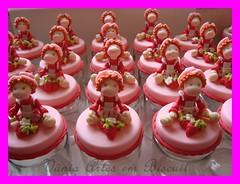 LEMBRANCINHAS DE ANIVERSARIO (VANIA ARTES EM BISCUIT) Tags: aniversario biscuit lembrancinha moranguinho