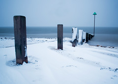 snow defence (sherlylock) Tags: blue winter snow cold beach nikon long exposure east filter groyne essex southend shoeburyness defence drift density neutral nd400 d5000