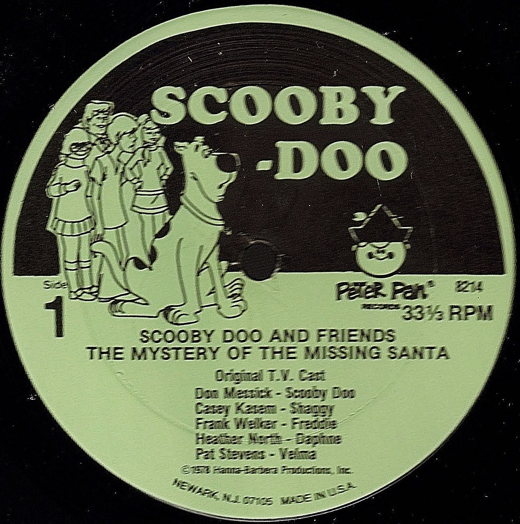 SCOOBY DOO AND FRIENDS EXCITING CHRISTMAS STORIES label