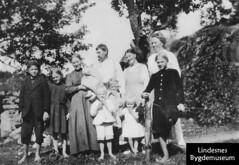 LIB-12724f (Lindesnes kulturtorv) Tags: norway nor lindesnes familier vestagder