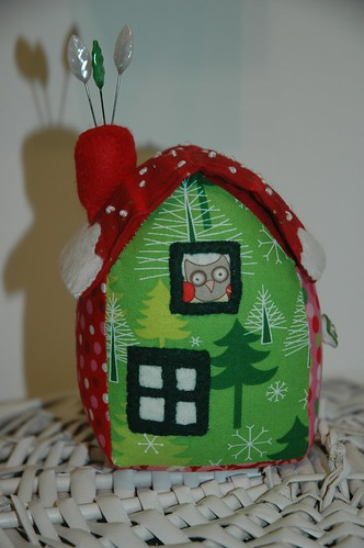 christmas cottage pincushion with hidden needlecase under the roof!