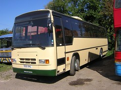Red Kite E22 XHL (quicksilver coaches) Tags: bedford paramount redkite plaxton ynt tilsworth e22xhl