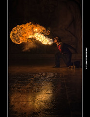 #353/365 Alien on Fire (iPh4n70M) Tags: paris france de fire photography 50mm tokyo photo nikon photographer photographie walk photograph tc palais 365 split nikkor bp hdr ballade feu breather balade photographe parisienne eaters parisien splitters cracheur 1xp 1raw d700 tcphotography baladesparisiennes ph4n70m iph4n70m tcphotographie