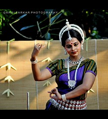 Dance for soul .. (Rimi's Magik!) Tags: travel india tourism nature birds lady dance nikon culture chennai incredible orissa tamilnadu odissi indiandance dakshinachitra d90 naturechennai