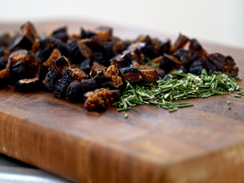 Macaroni and Blue Cheese with Figs and Rosemary