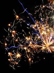 FIORI DI FUOCO ** FIRE FLOWERS (Donna di Fiori ) Tags: italy rome wishes newyearseve capodanno happynewyear auguri fuochiartificiali buonanno
