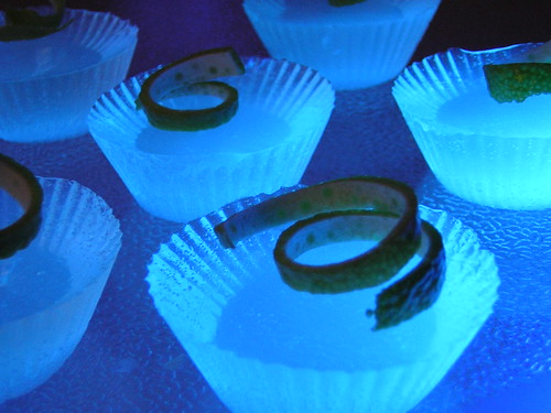bLimey- gelatin shots that glow!