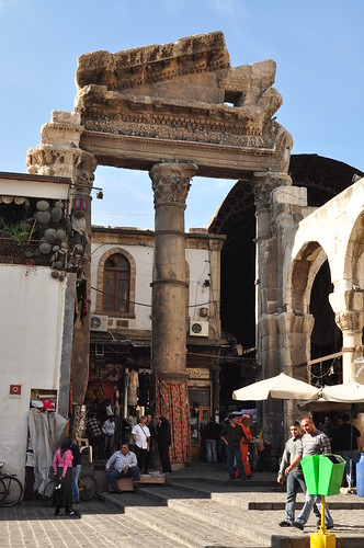 Roman columns right in front of the famous Umayyad mosque ? [Damascus, Syria]