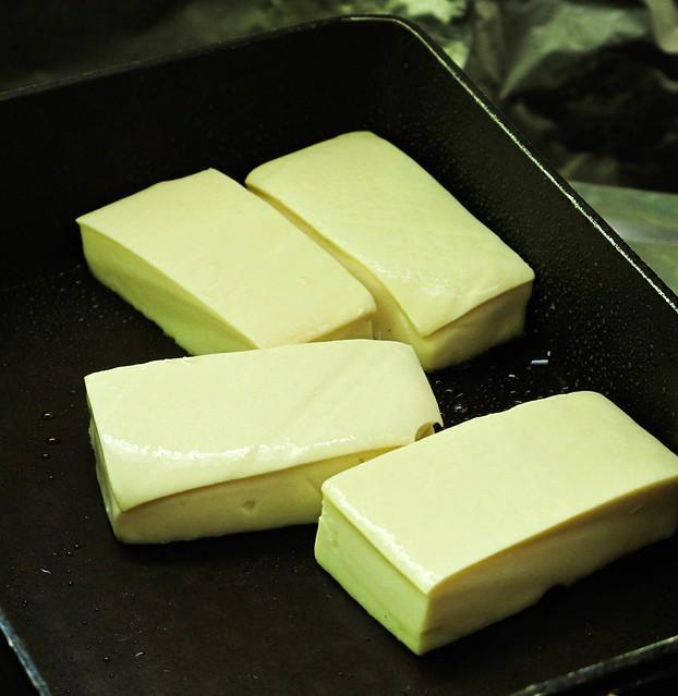 IMG_0862_1 Frying tofu , 煎白豆腐