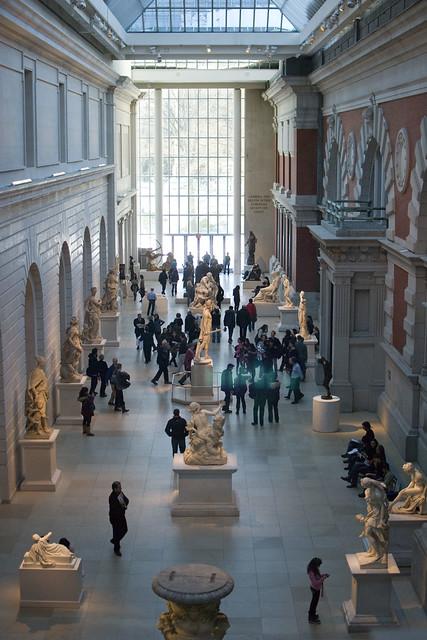 d5 MET sculpture area