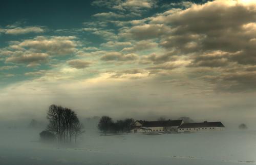 [フリー画像] 建築・建造物, 雪, 雲, ドイツ, 201101121900
